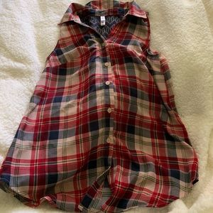 Flowy, lightweight plaid blouse!